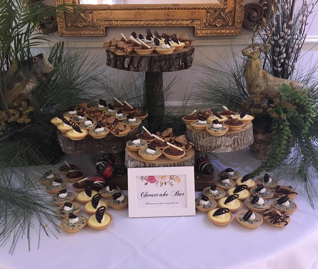 Don't want a grooms cake? How bout a cheesecake bar!?! #cheesecake