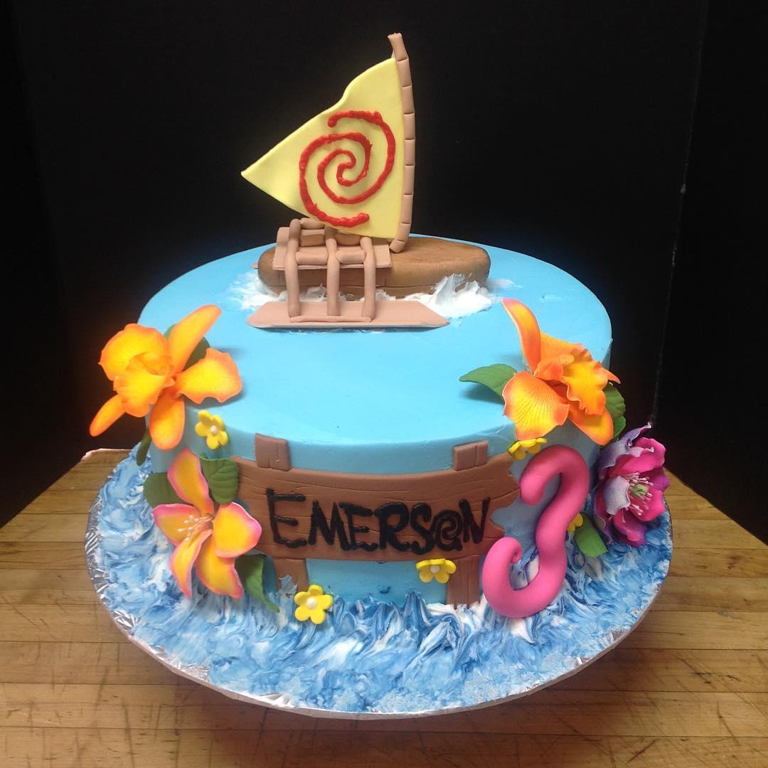 Happy Birthday Emerson! @moochelle12 #howsthecanklescomin #cakestagram #cakesofinstagram #moana