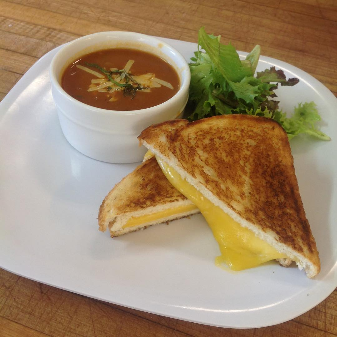 *Today's Special* 🍞🧀Tomato soup and Grilled Cheese sandwich #ohmygouda #soupoftheyday