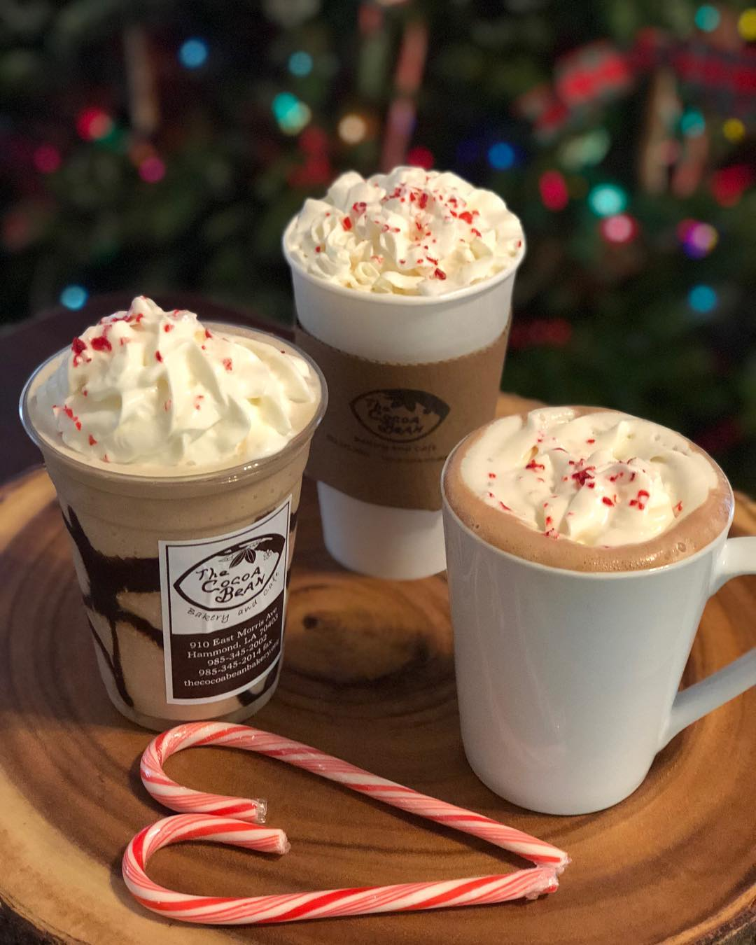 We ❤️ Peppermint this month! Peppermint Moncha Latte, Frozen Peppermint Mocha, and Peppermint Hot Chocolate! #drinksofthemonth #hotandcoldcauseweliveinlouisiana
