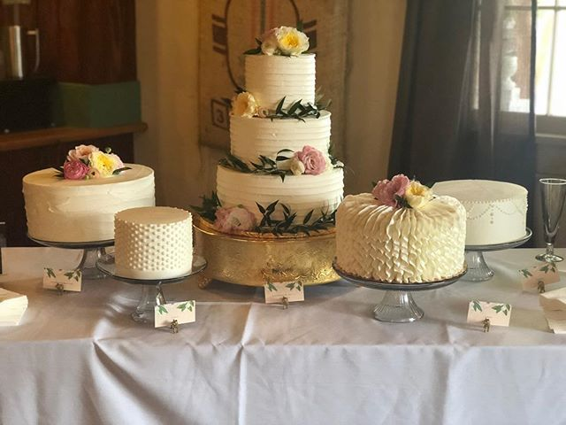 Eat all the flavors! #weddingcakeS #cakestagram #cakesofinstagram @abitaroastingmadisonville @berryblossomflowers @theuncommoncamellia